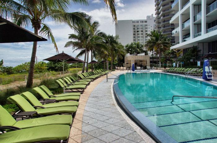 Pool-Miami