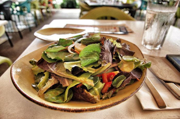 Salat-Kitchen-and-Bar