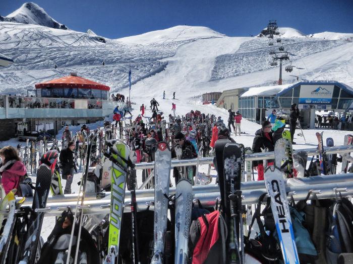 Snowboarden_am_Kitzsteinhorn_Mittag-w700