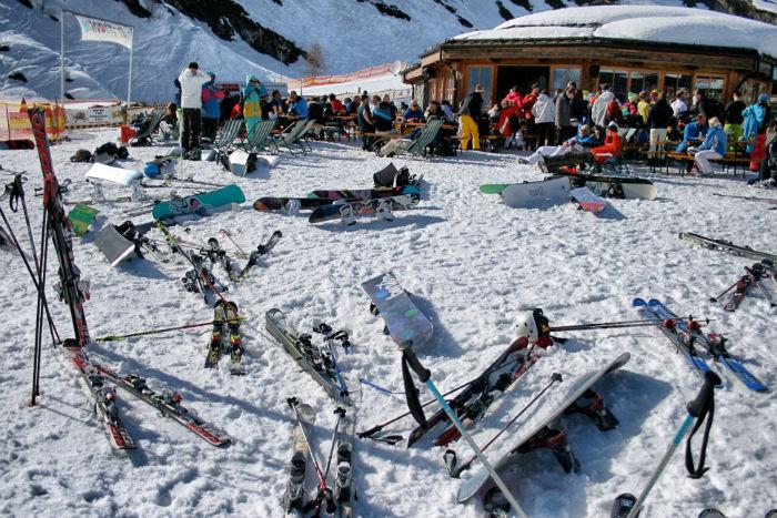 Snowboarden_am_Kitzsteinhorn_Pause-w700