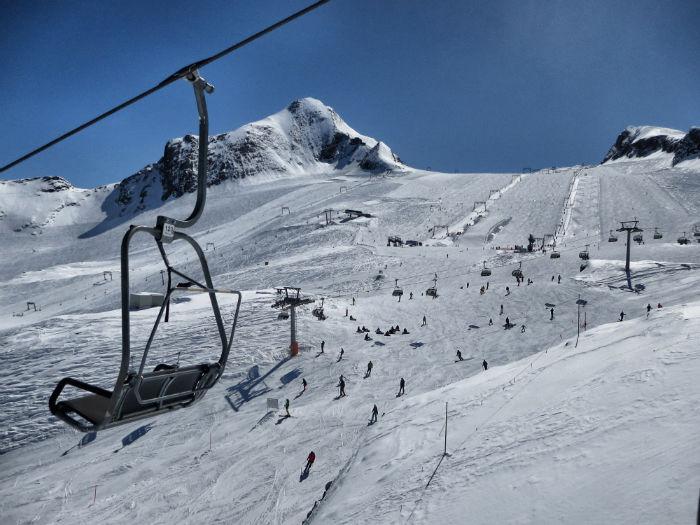 Snowboarden_am_Kitzsteinhorn_Skigebiet-w700