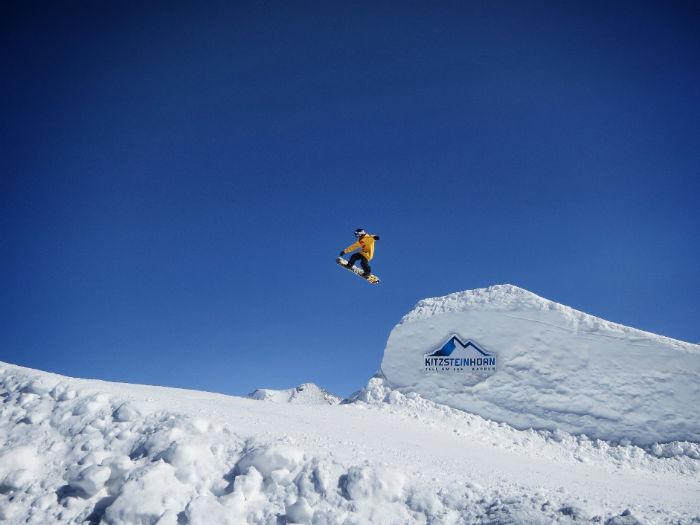 Snowboarden_am_Kitzsteinhorn_spung2-w700