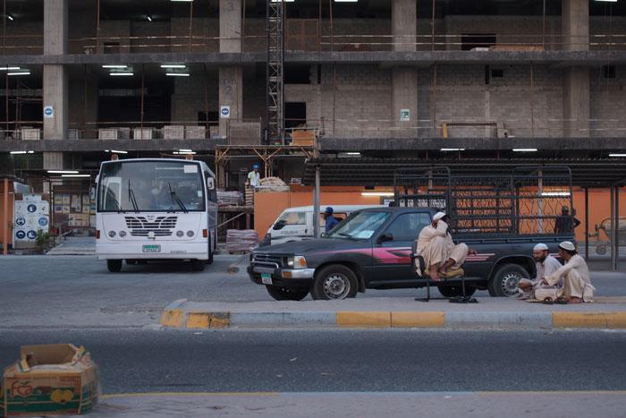 abu-dhabi-streetlife