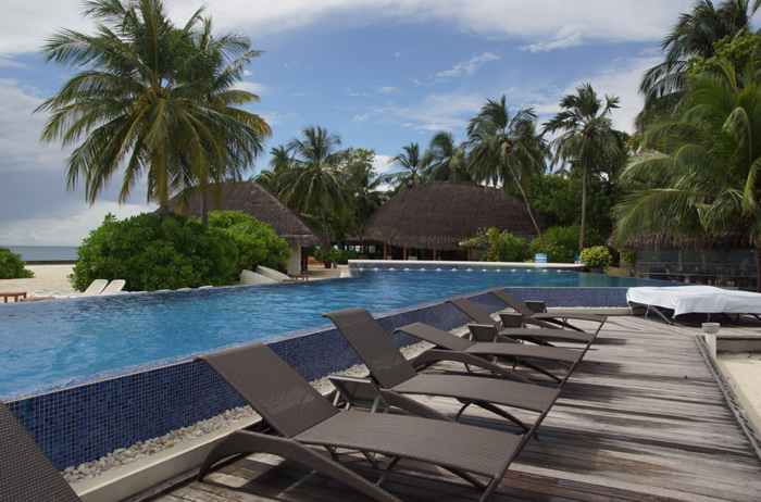 holiday-on-Kuramathi-pool