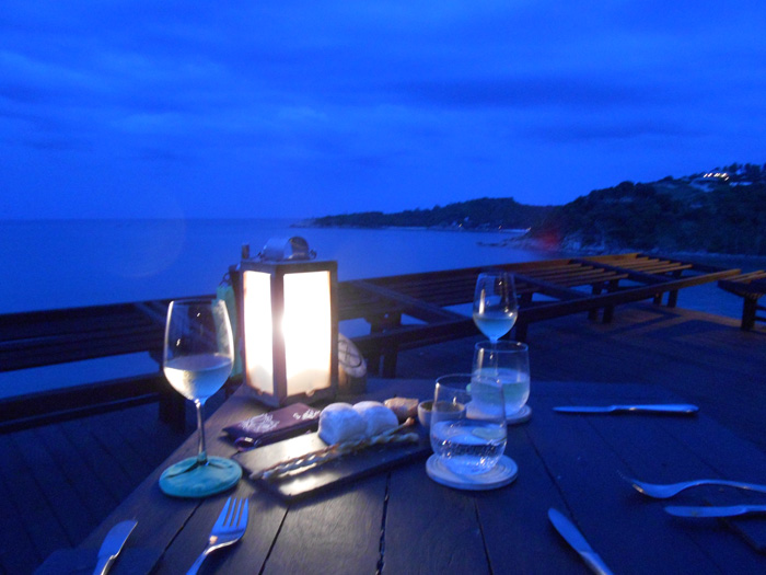 Dining-on-the-Rocks