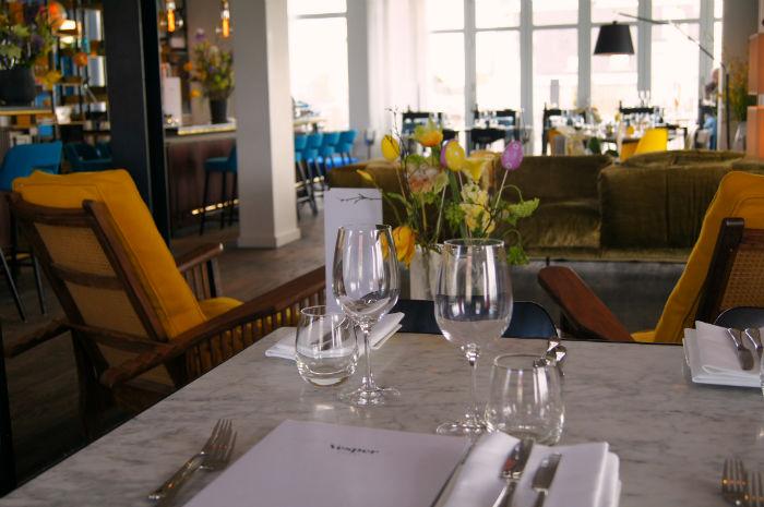 Blumentisch Vesper Hotel