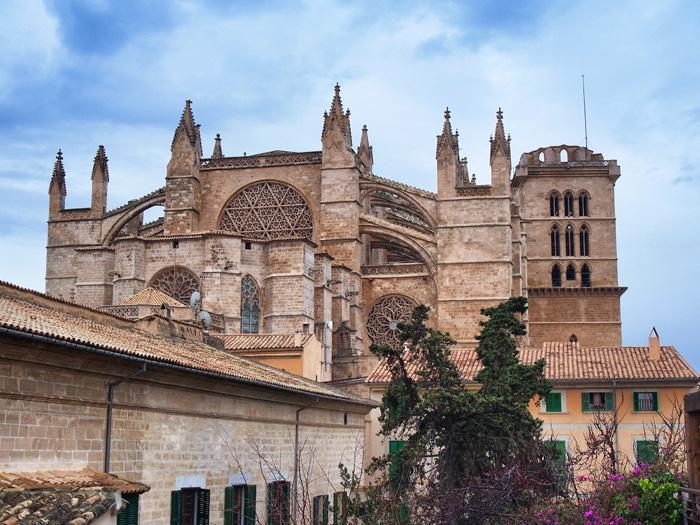 catedral-aussen