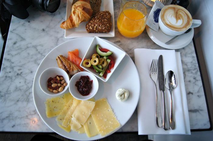 Frühstück im Vesper Hotel