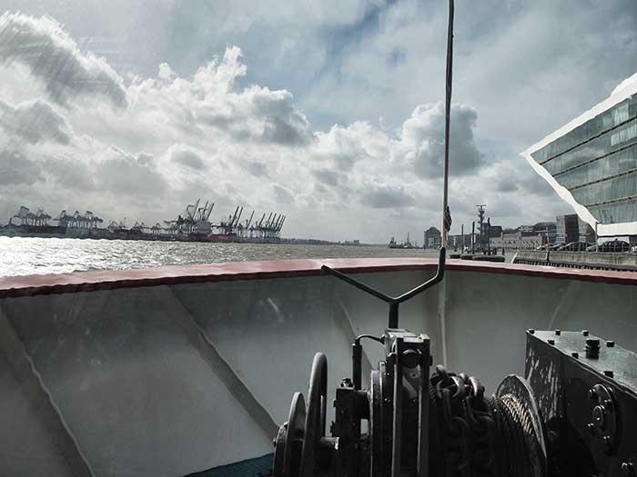 HVV Fahrt Hafen