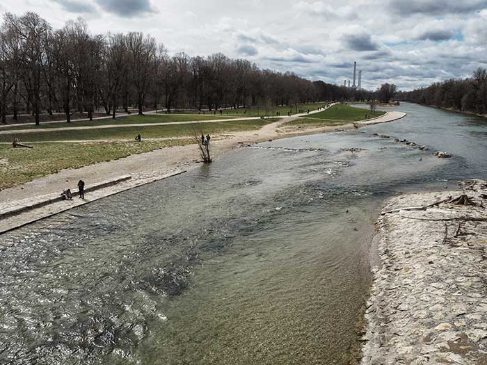 isar strand muenchen