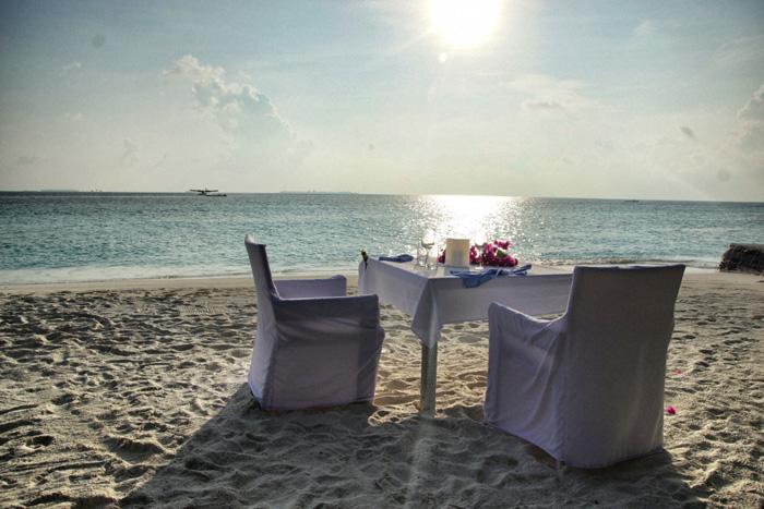 maafushivaru - dinner on the beach
