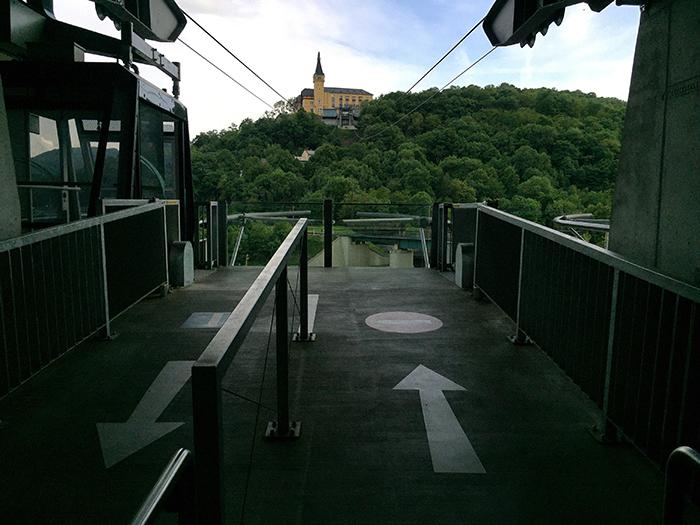 Elbradweg_AufgangSeilbahn_Snapseed_700x