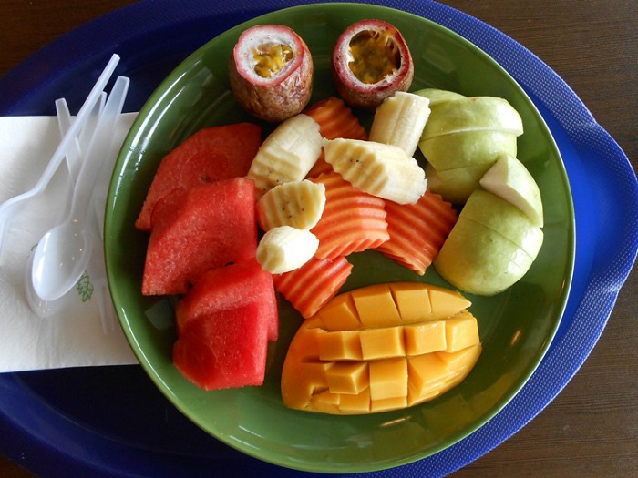 fruchtplatte-am-flughafen-in-bangkok
