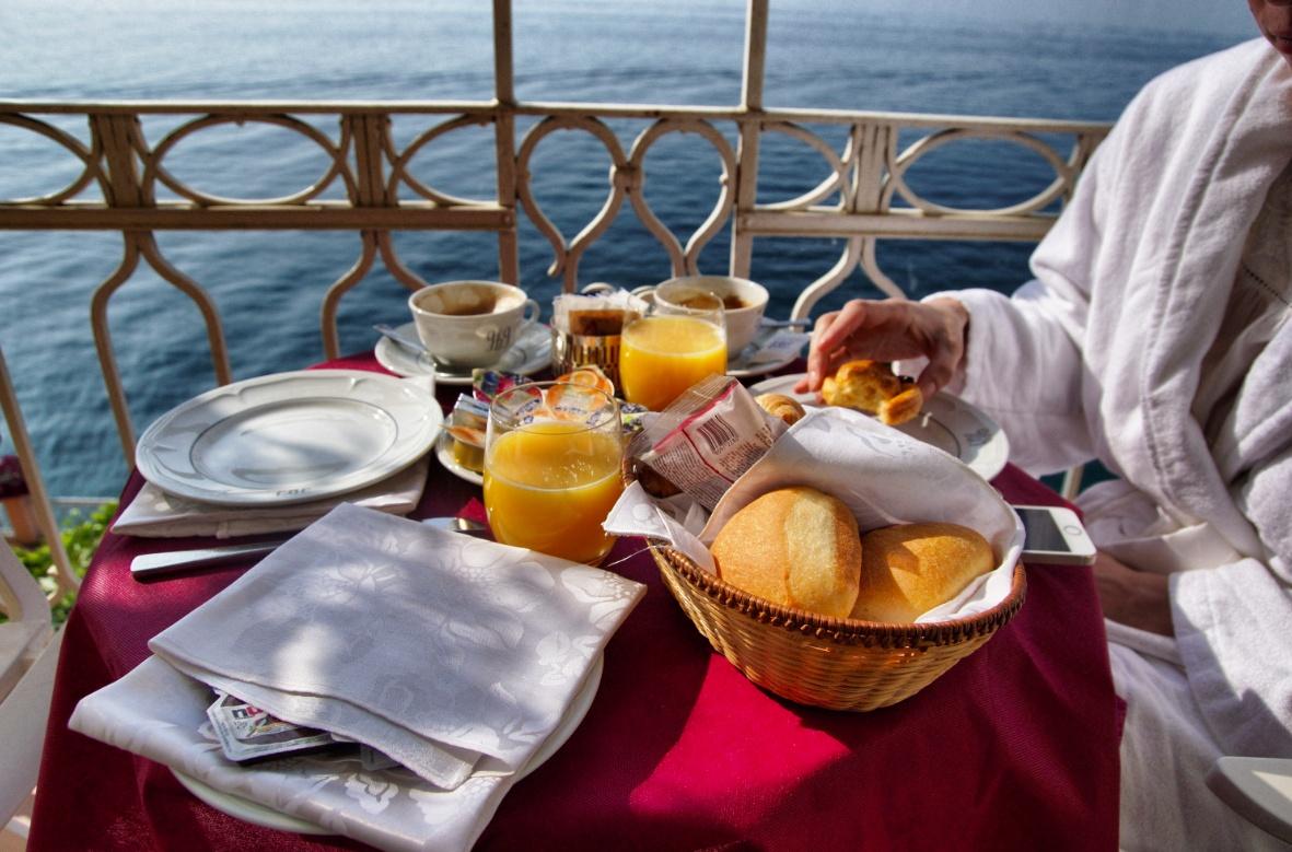 Frühstück im Grand Hotel