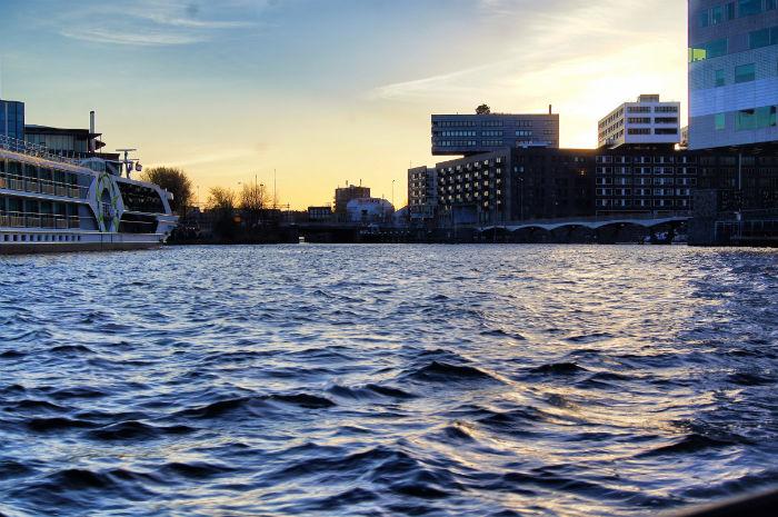 Sonnenuntergang offenes Meer Amsterdam