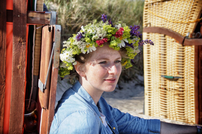 Blumenkränze für das Midsummer Bulli Festival