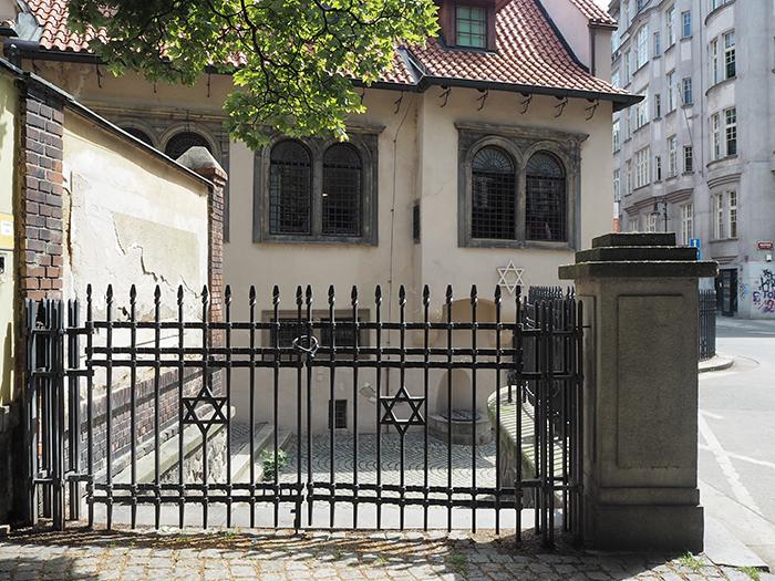 Prag_rosane Synagoge
