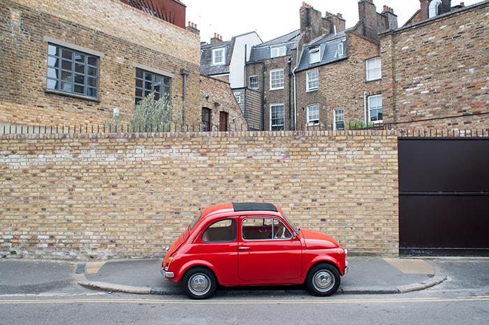 london_rotes auto