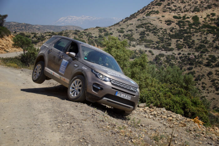 Roadtrip-auf-Kreta-Landrover_Adventure_greece_Offroad_auto
