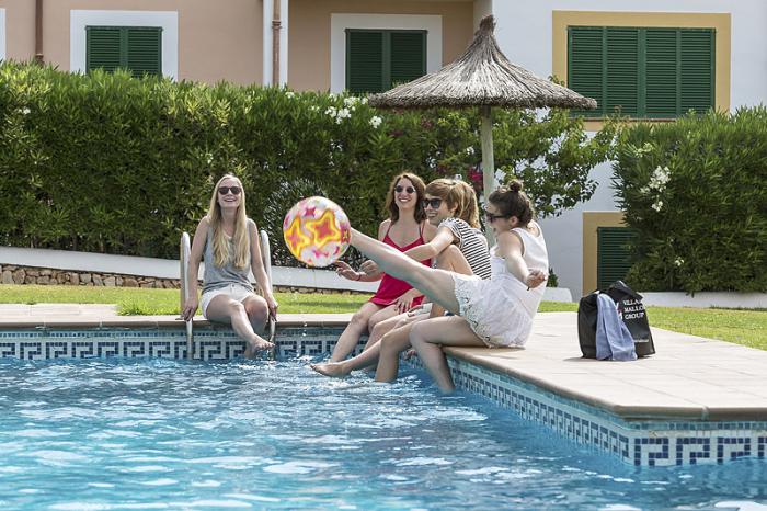 wochenende-auf-mallorca-albert-bravo-im-pool