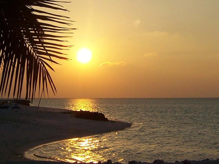 tollsten-Sonnenuntergänge-der-Welt_Fritz-Klappenecke_MaladivenEmbudu