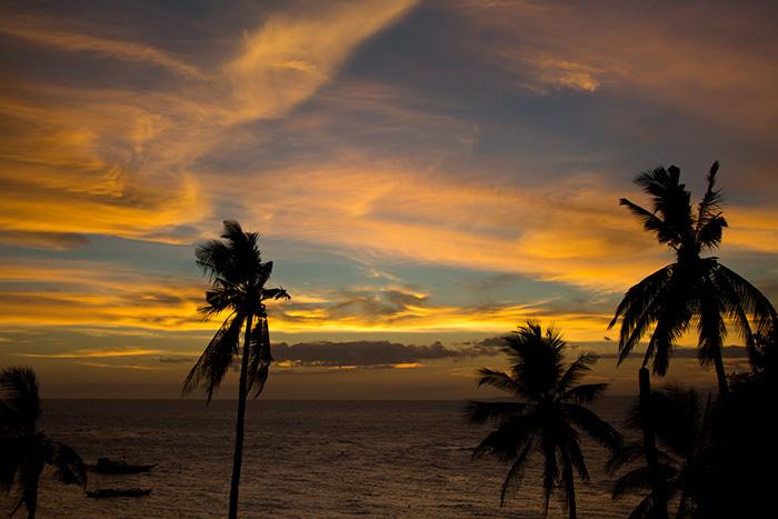 tollsten-Sonnenuntergänge-der-Welt_Yvonne-Rundio-von-www-somewhereelse.de_Philippinen_Apo_Island_Sunset