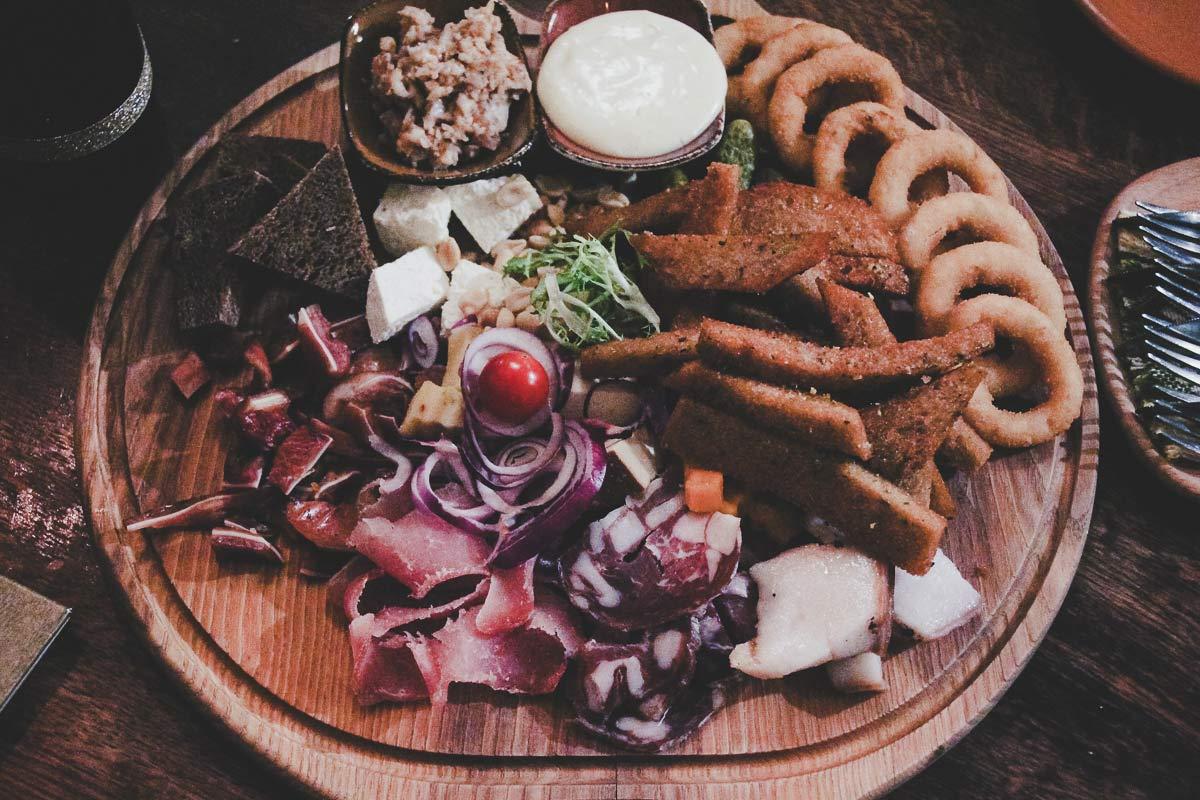Traditionelles Abendessen litauen