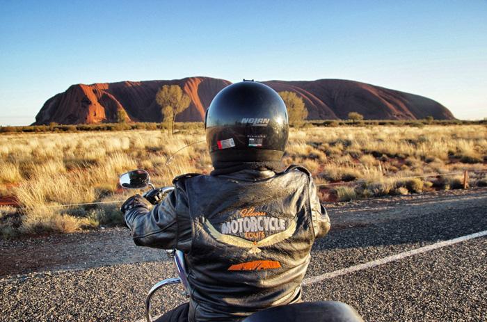 Uluru-Motorcycle-Tour-Australien