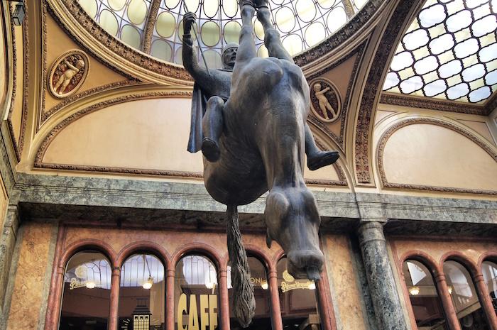 Pferd Statue