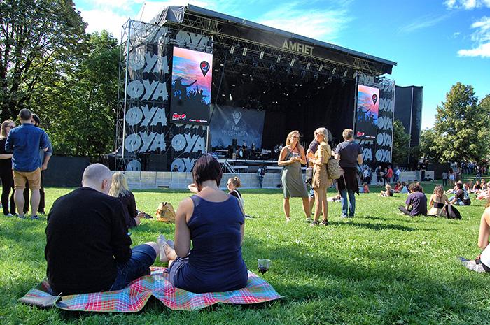 Øyafestival-in-Oslo_Picknicker-vorm-Amfiet