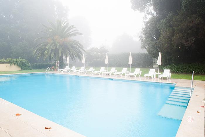 Madeira_Nebel_Palheiro_Pool