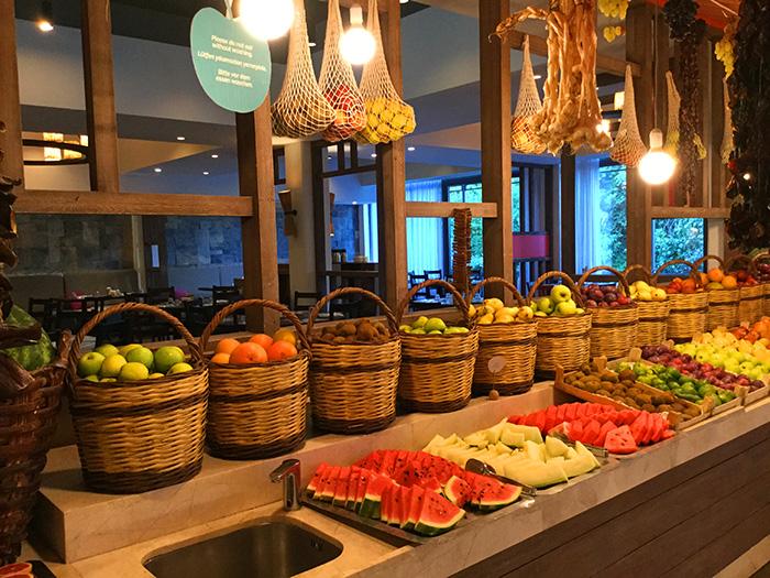 lykische_Küste_Hauptrestaurant-Früchte