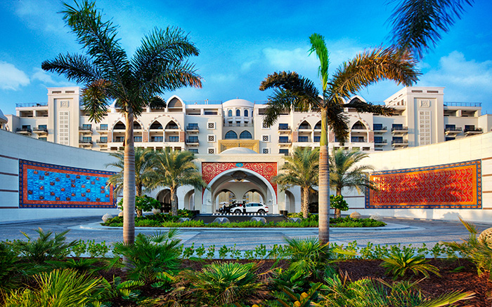 Jumeirah_stopover_Zabeel_Saray_-_Hotel_Exterior_-_Front_Entrance