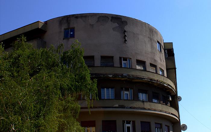 Serbien-Novi-Sad-Rundbau