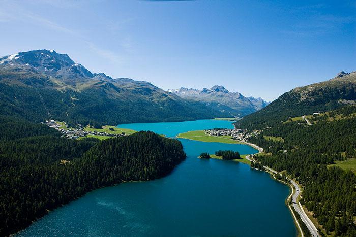 ENGADIN St. Moritz: Blick auf die Oberengadiner Seenlandschaft