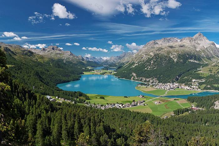 Badrutt's Palace: Ausblick auf den Silvaplana- und Silsersee