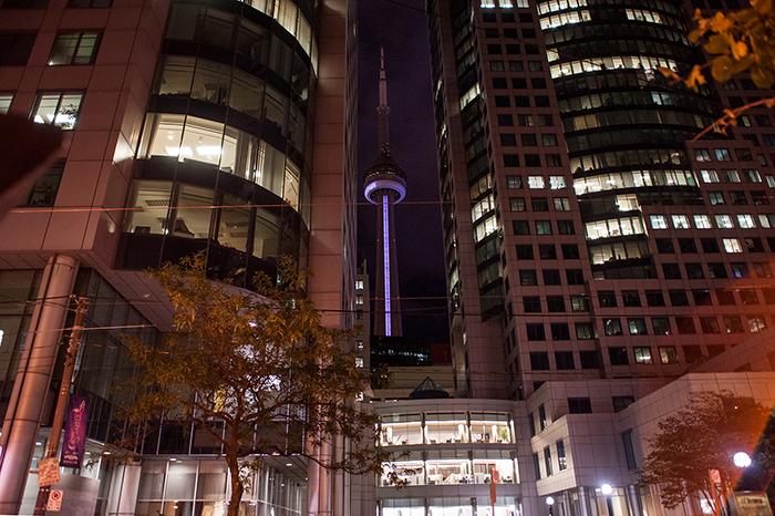 Toronto_CN_Tower_bei_Nacht