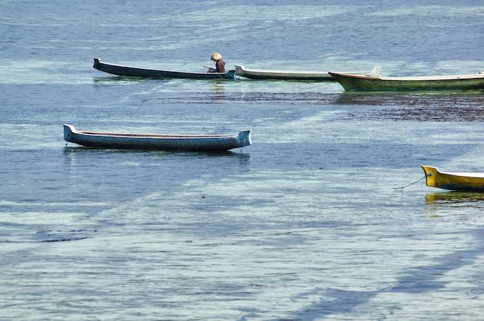 nusa-lembongan-reisebericht-angler-mit-hut