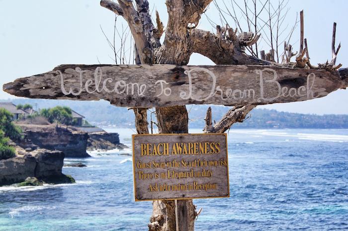 nusa-lembongan-reisebericht-dream-beach-schild