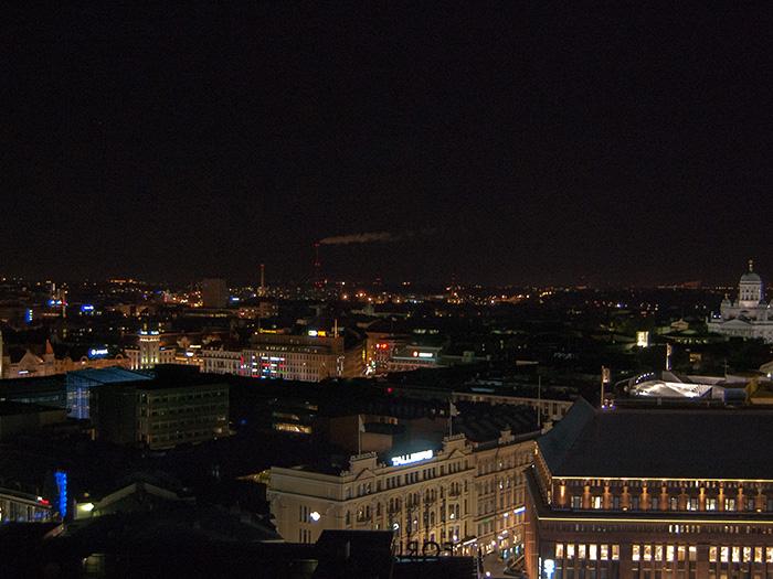 Tag_in_Helsinki-bei-Nacht