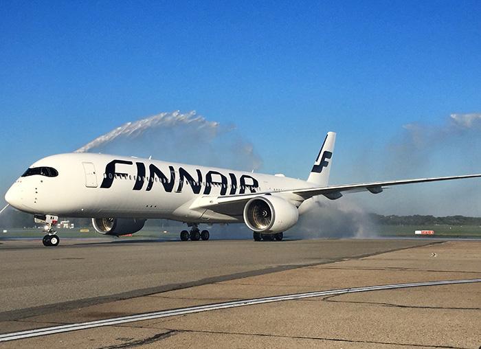 Tag_in_Helsinki_Flugzeugtaufe