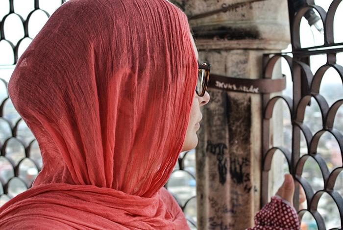 Urlaub-in-Delhi_meine-freundin-im-minarett