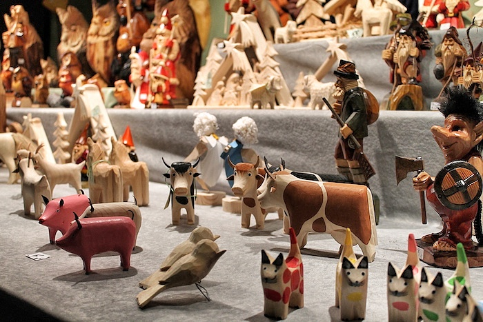 Holzfiguren Weihnachtsmarkt