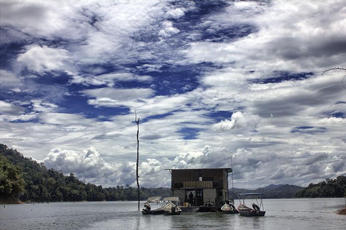 Malaysia-Belum---Hausboot