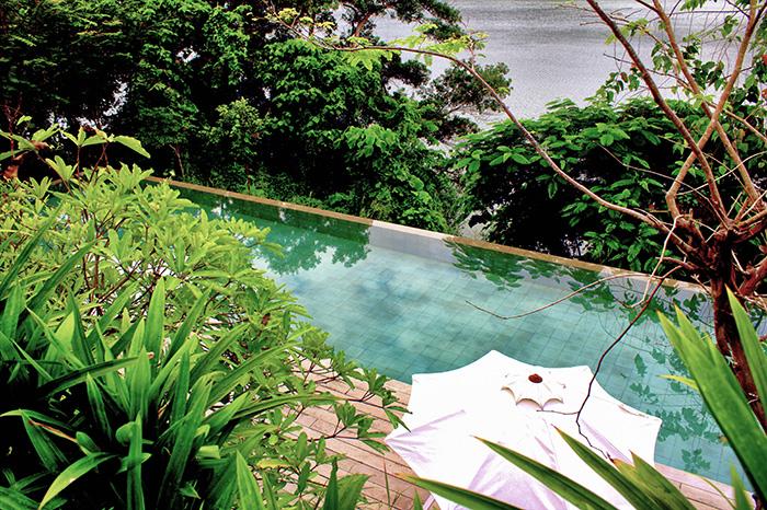 Malaysia-Belum---Pool