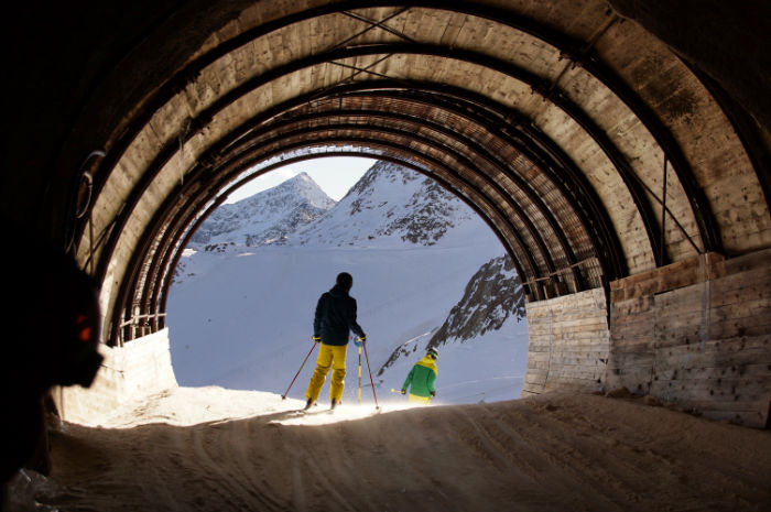Tiroler_Gletscher_Sölden_Tunnel