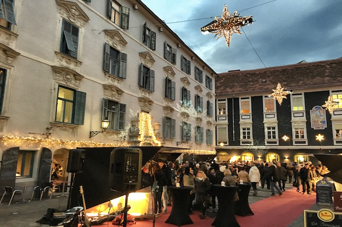 Weihnachten in Graz Weihnachtsmarktdeko Innenstadt