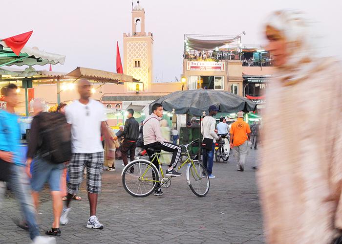 marrakesch_djemaa_el_fna_bike