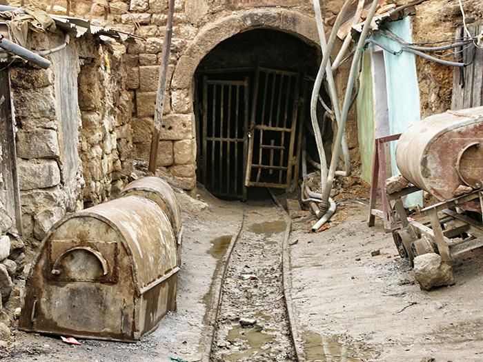 Bolivien-Reisetipps-Potosi-Eingang-Tunnel