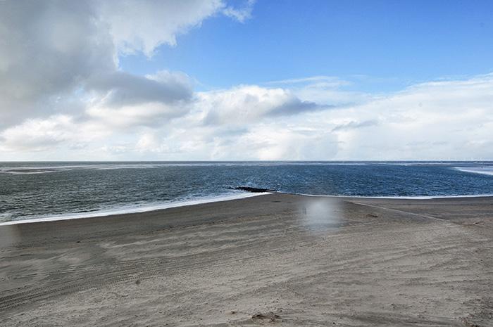 Borkum Sehenswürdigkeiten-Strand im Regen